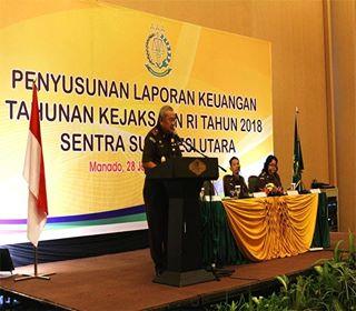 M Roskanedi saat membawakan sambutan di kegiatan PLK Kejaksaan RI Sentra Sulut. (Ist)