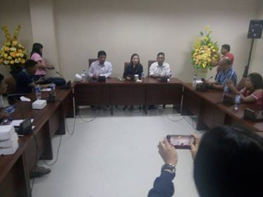 Suasana pertemuan Komisi II bersama Bank Sulutgo, BNI 46 dan OJK.