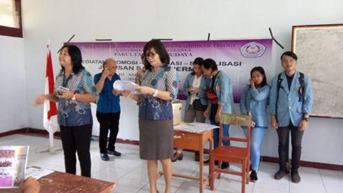 Tim sosialisasi FIB Unsrat saat bertandang ke sejumlah sekolah di Minut.