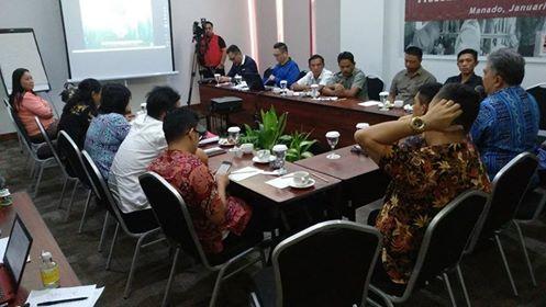AMAN Sulut saat menggelar pertemuan bersama pihak ESDM Sulut