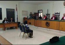 JPU Edwin Tumundo bersama Fitria Astuti saat menghadiri sidang pemeriksaan terdakwa Olga di PN Tahuna. (Ist)