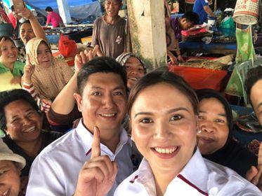 HKL didampingi isteri saat blusukan ke Pasar Tradisional Tondano.