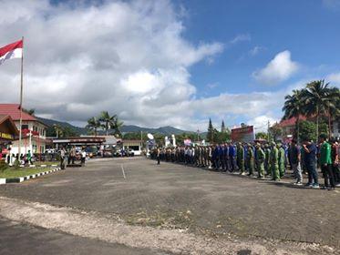 Suasana apel pengamanan Pemilu 2019 di halaman Mapolres Minahasa.