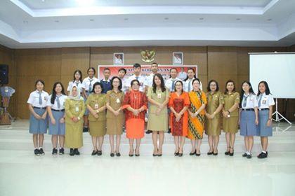 Foto bersama di moment kegiatan Rakor Penguatan Perlindungan dan Kesejahteraan Anak Provinsi Sulut.