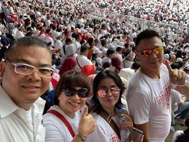 Ketua Projo Sulut saat menghadiri kampanye Jokowi di GBK.